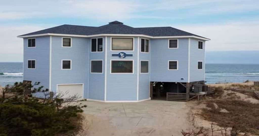 Pompous Pelican Beach Home